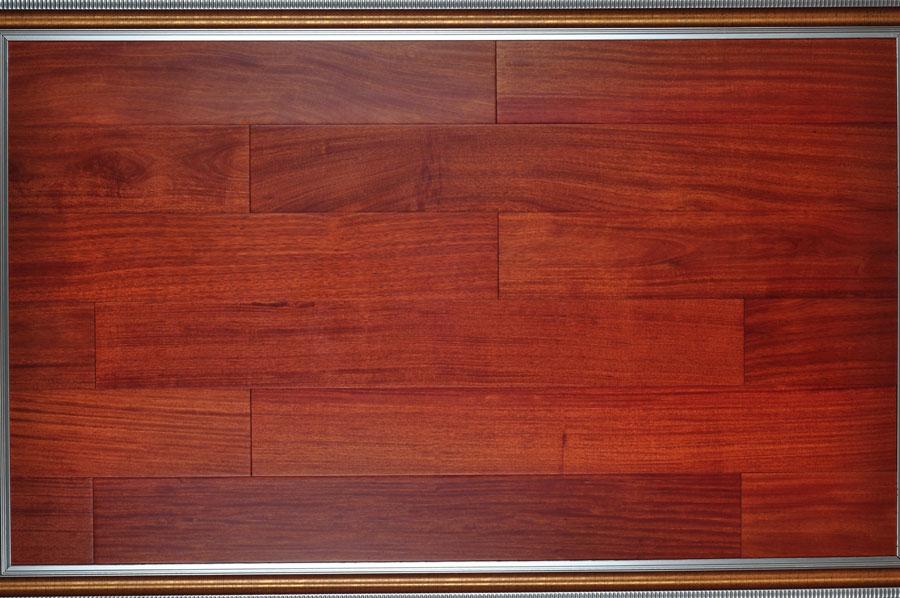 暗红色的地板配什么颜色的沙发?